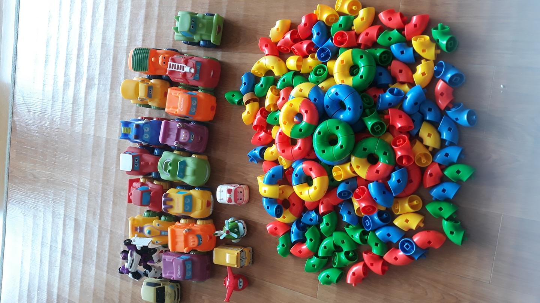 블럭교구.말랑자동차.변신또봇등 장난감 일괄판매합니다.