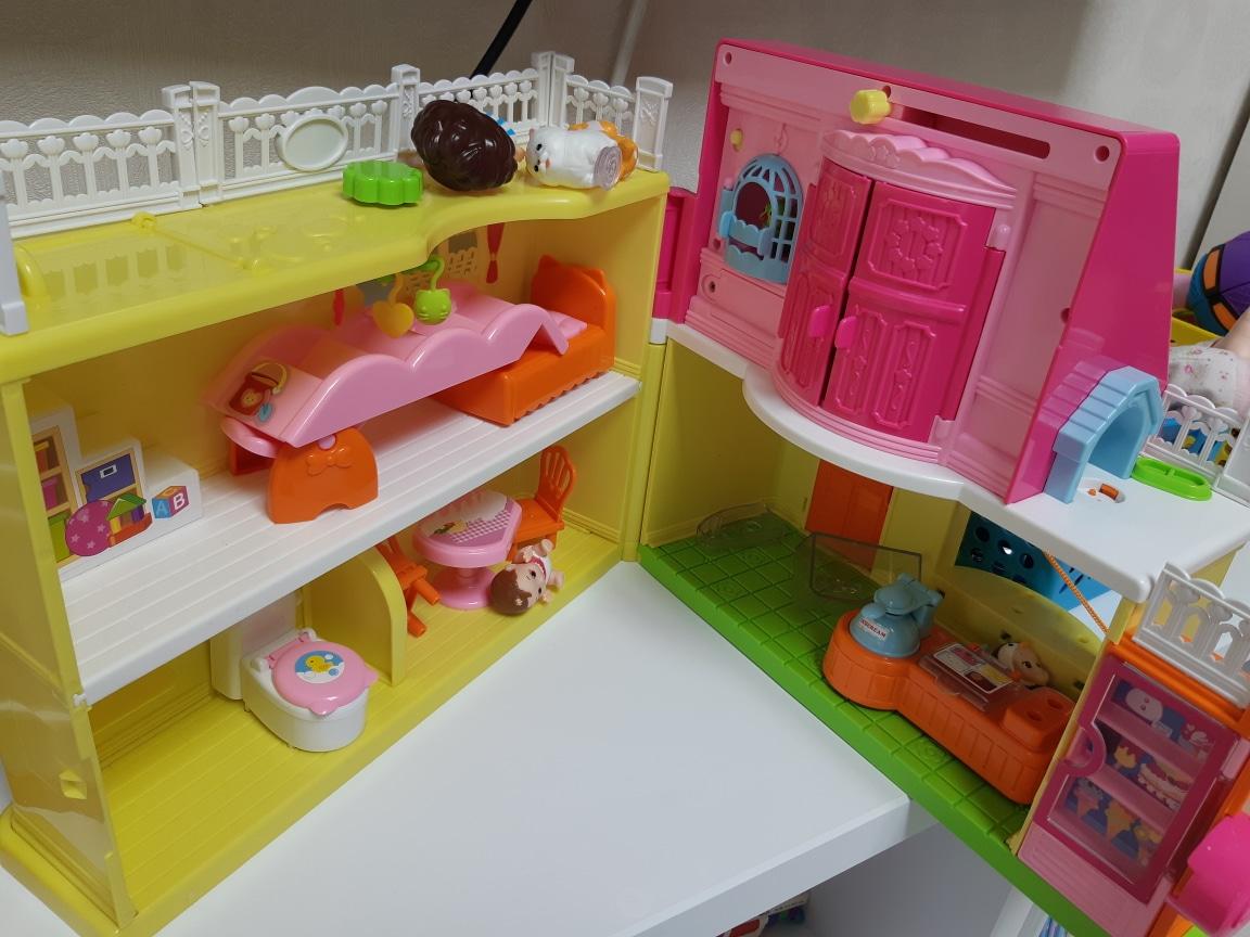 똘똘이비밀의하우스 핑크퐁큐브 콩순이자판기 미미미용실