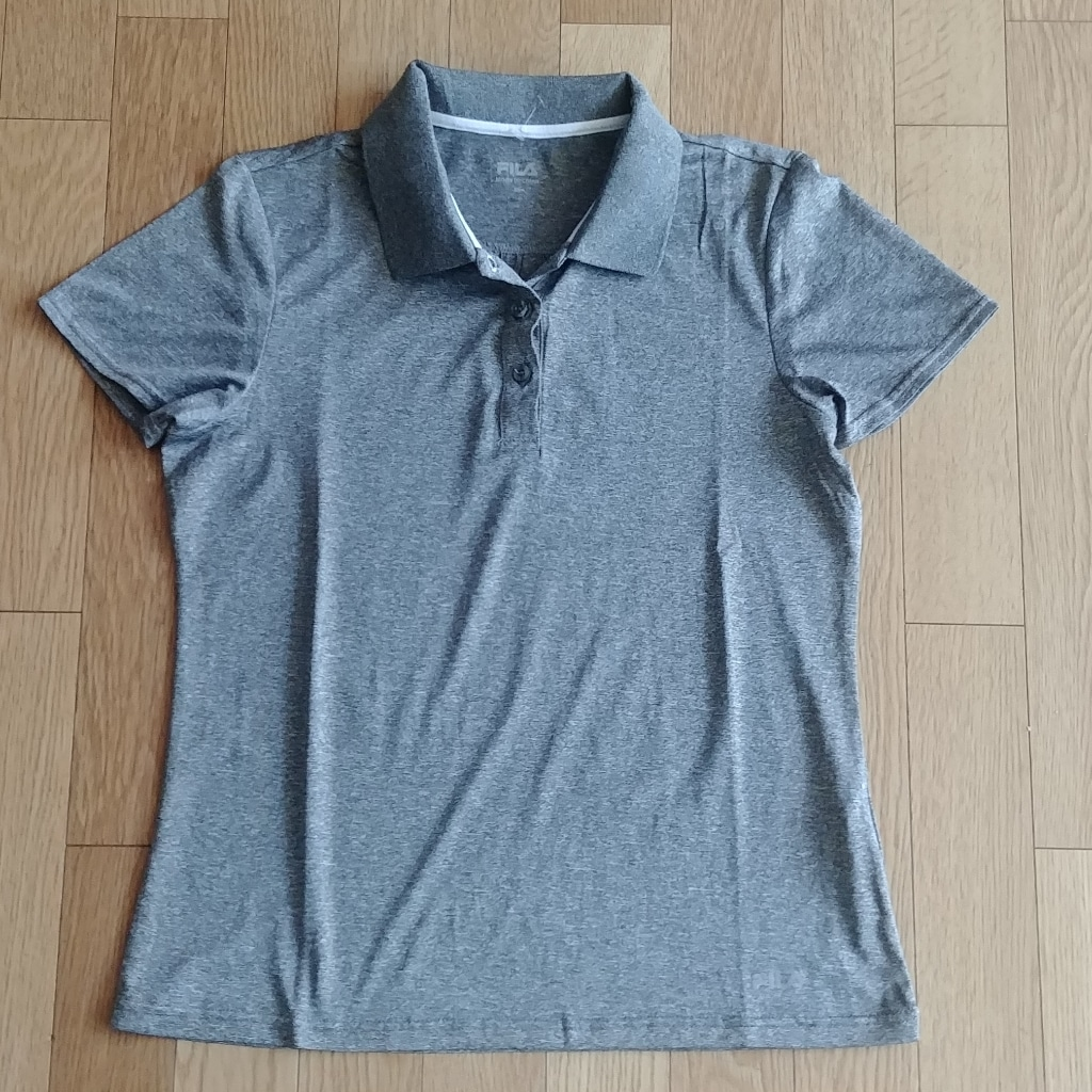 가격인하)여성 필라 골프티셔츠 거의새제품