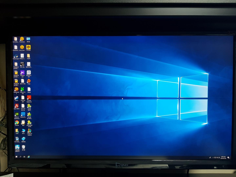 32인치 경성 큐닉스 UHD325 PERFECT PLUS 4K 제품 판매합니다.