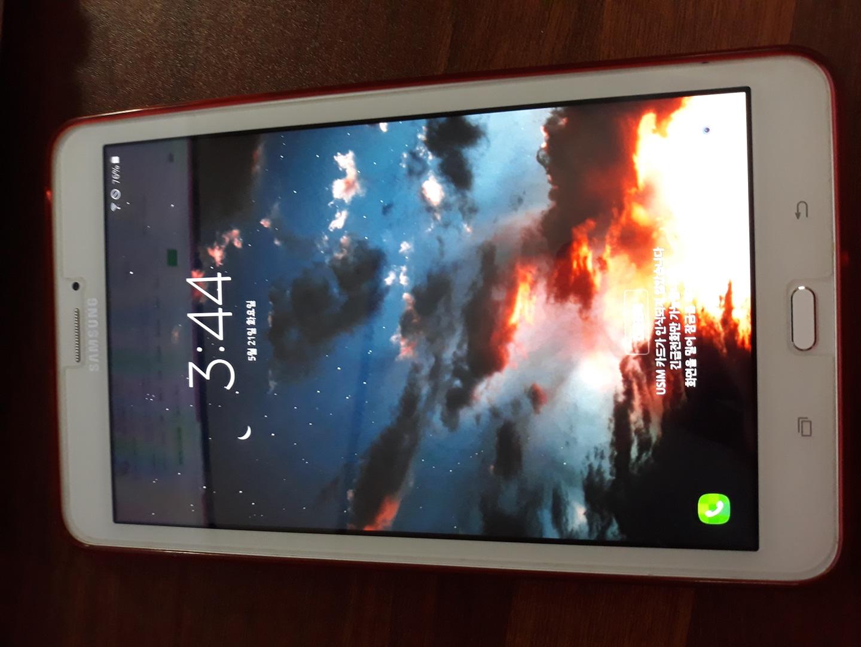 Samsung Galaxy Tab E 팝니다 (가격내림)
