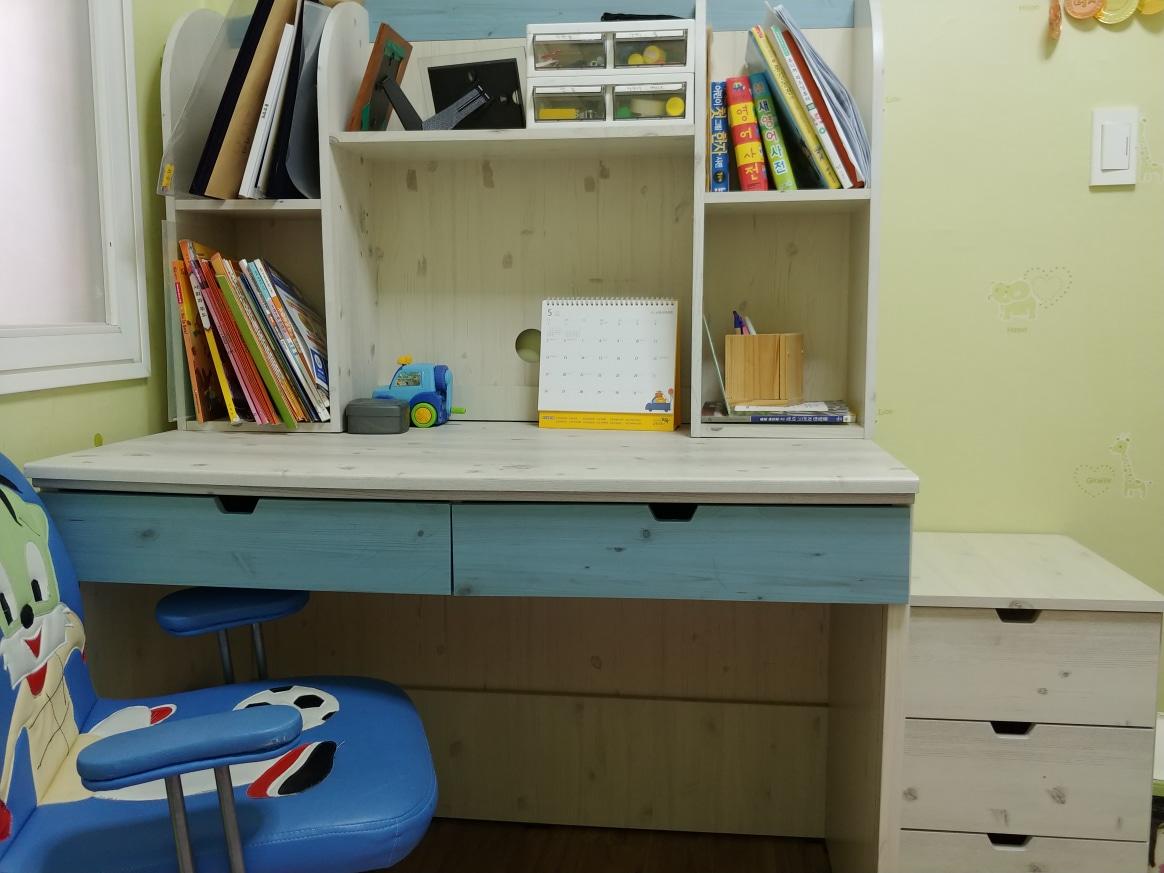 책상과 의자세트