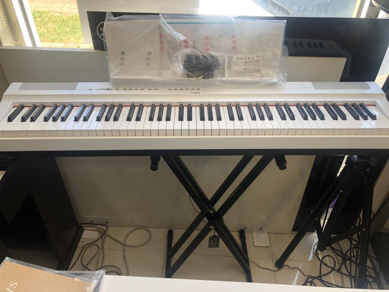 야마하 디지털 피아노 p125새제품팝니다