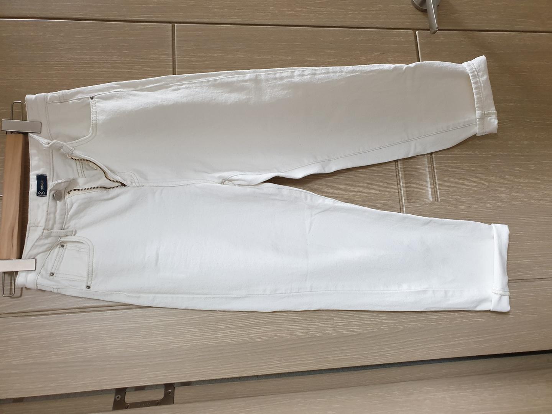 흰색 보이핏 M 바지