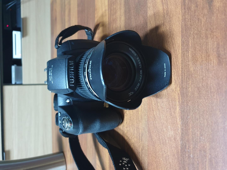 하이엔드카메라[후지필름 HS10]달사냥카메라 판매합니다