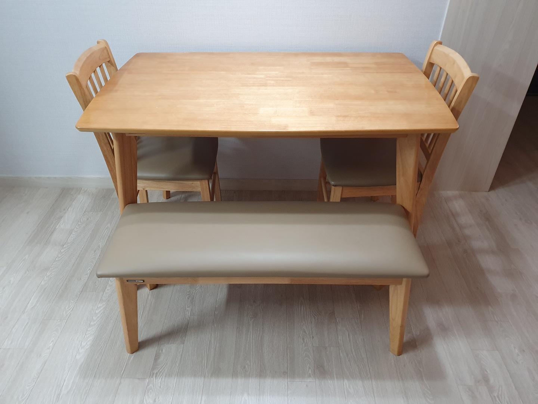 한샘 4인 식탁 + 의자