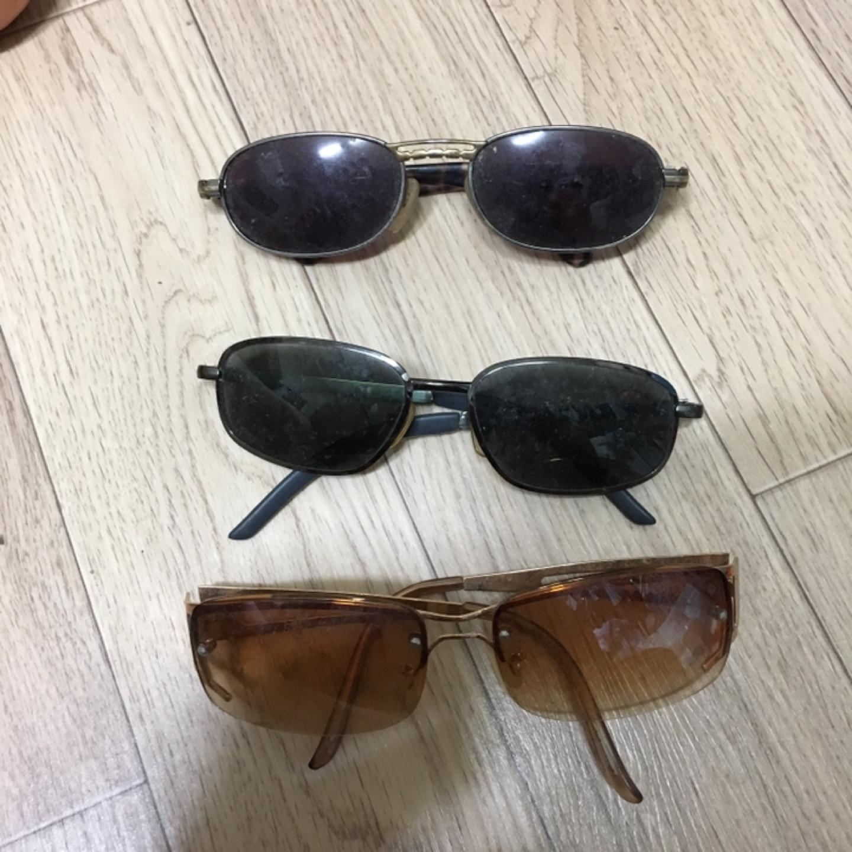 선글라스 정리중 썬글라스