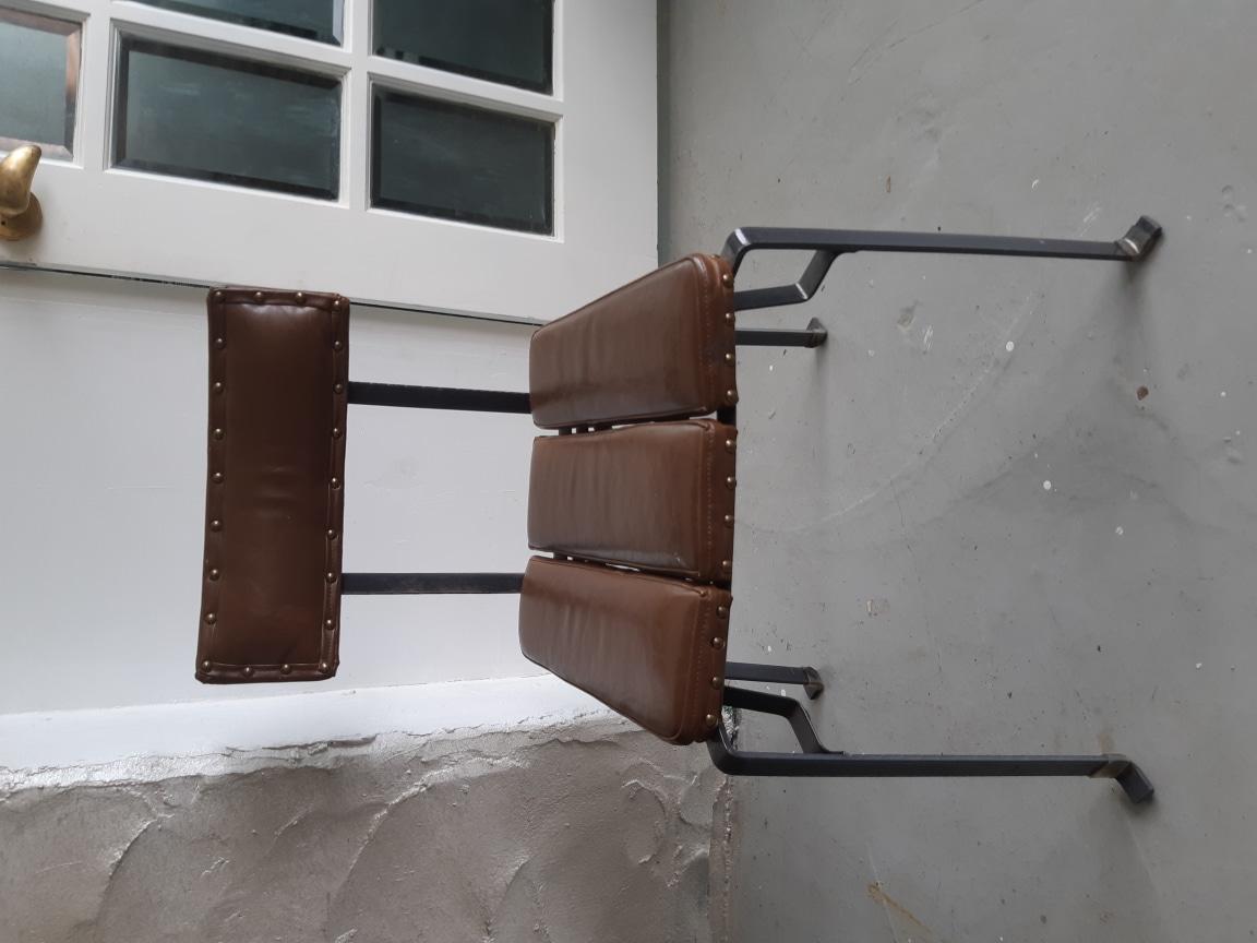 까페 분위기있는의자