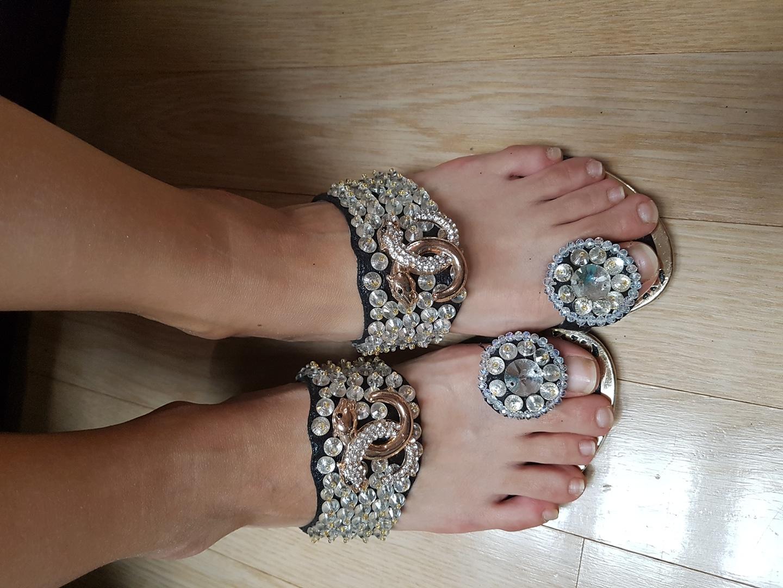 예쁜 발가락 신발