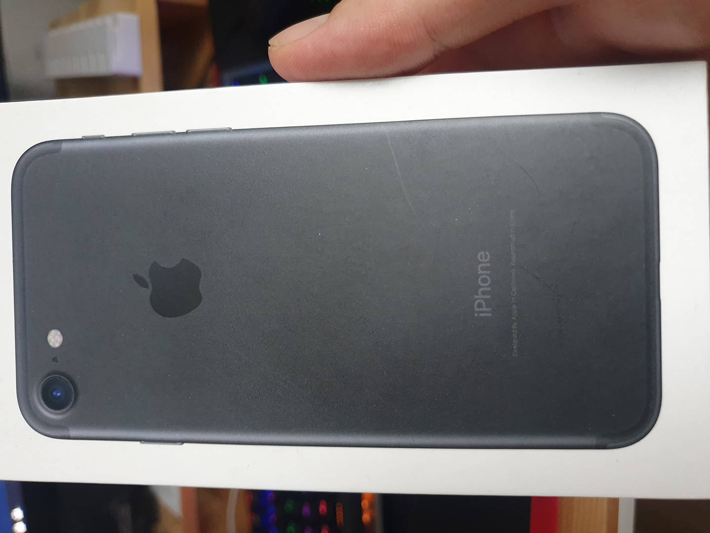 아이폰7 박스및 이어폰 미사용 충전기 3회사용 판매 아이폰5S 박스 및 미사용 이어폰판매
