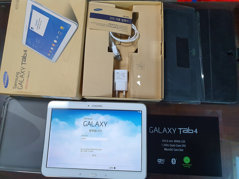 갤럭시탭4.10인치t530.와이파이용.흰색.판매합니다.펜x