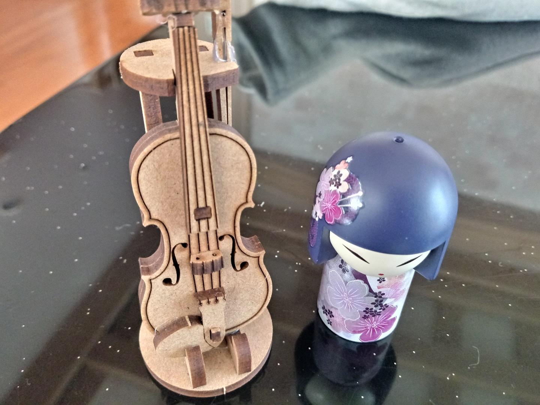 일본인형.바이올린.2개(5월25일까지)