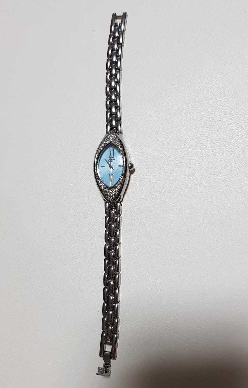 OST 여성 손목시계