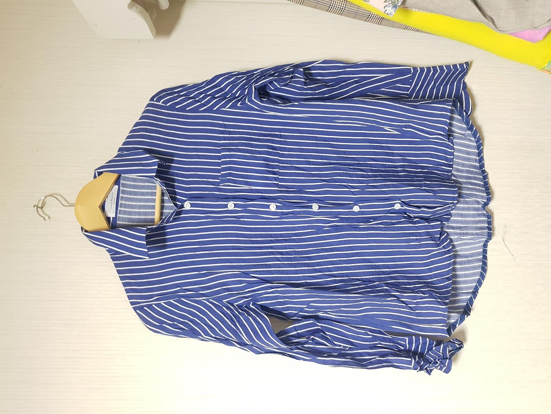 파란색셔츠(새옷)