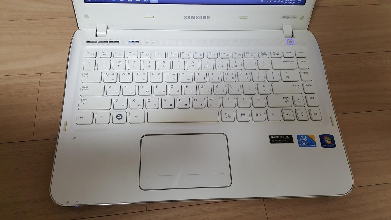 삼성노트북 NT-SF310