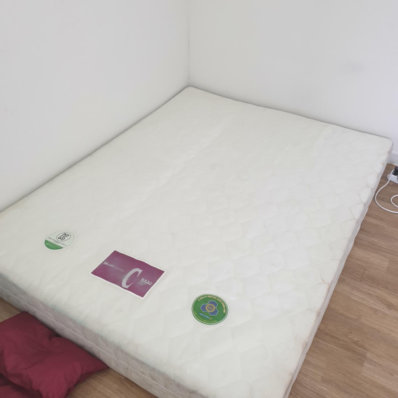 침대 매트리스 무료나눔합니다.