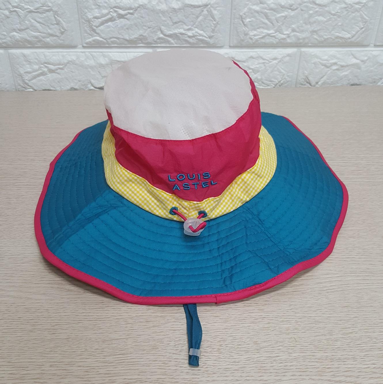 루이까스텔  모자