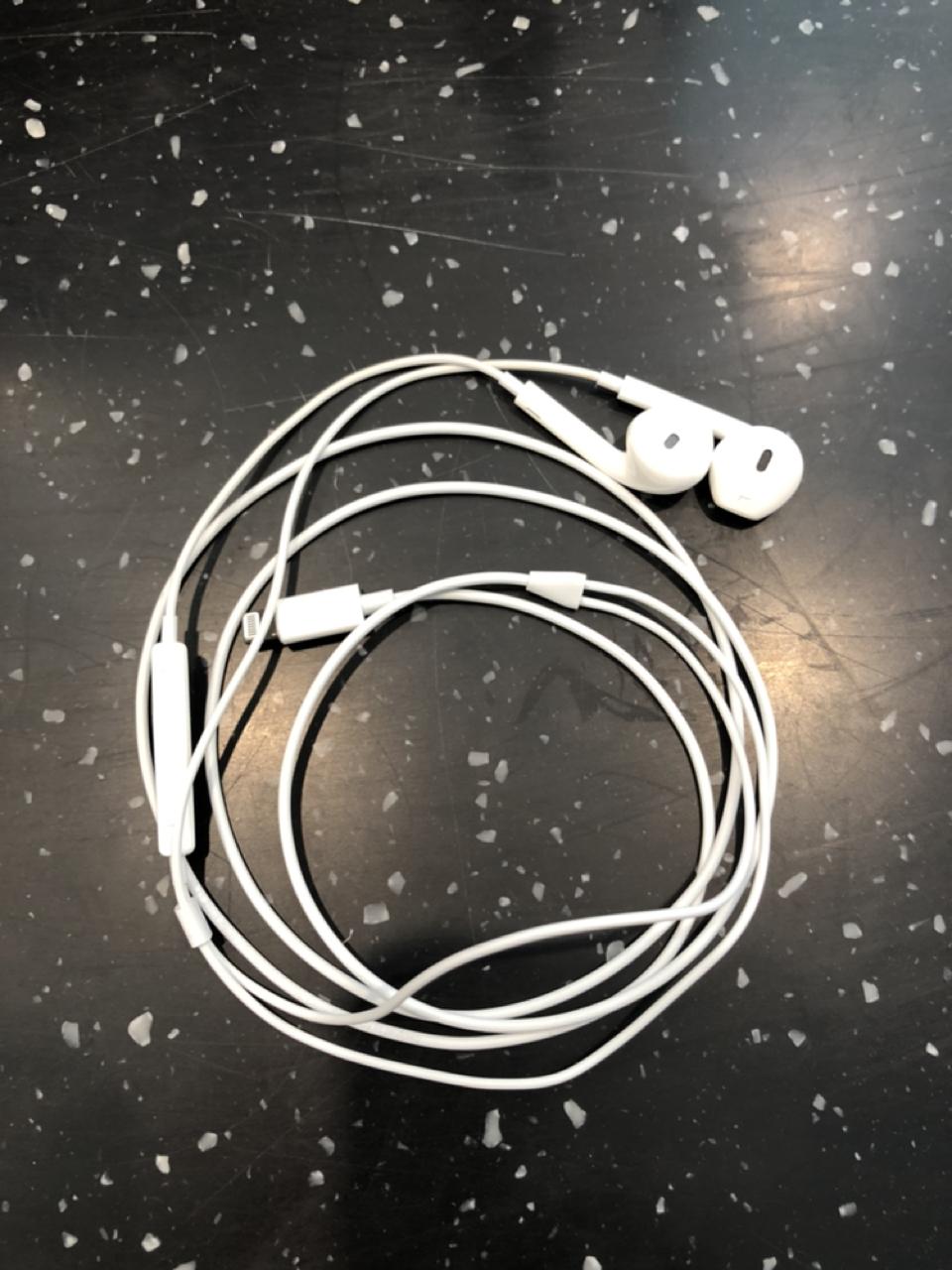 아이폰 이어폰 판매중
