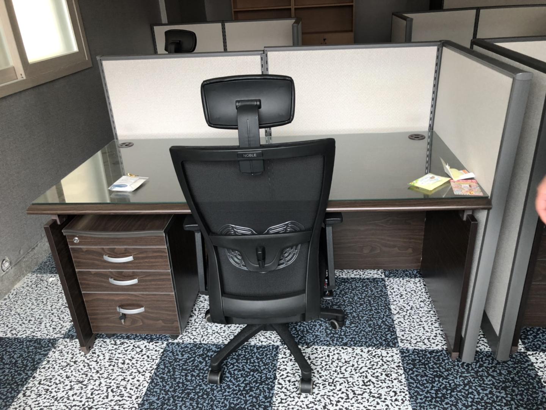 사무실 책상(유리포함)/의자/책상수납장//파티션3 사용안한제품 판매합니다 :)