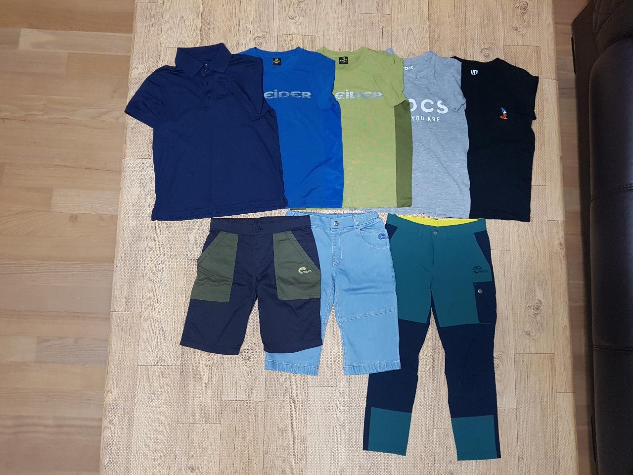 140사이즈 티셔츠&바지 일괄 판매합니다.