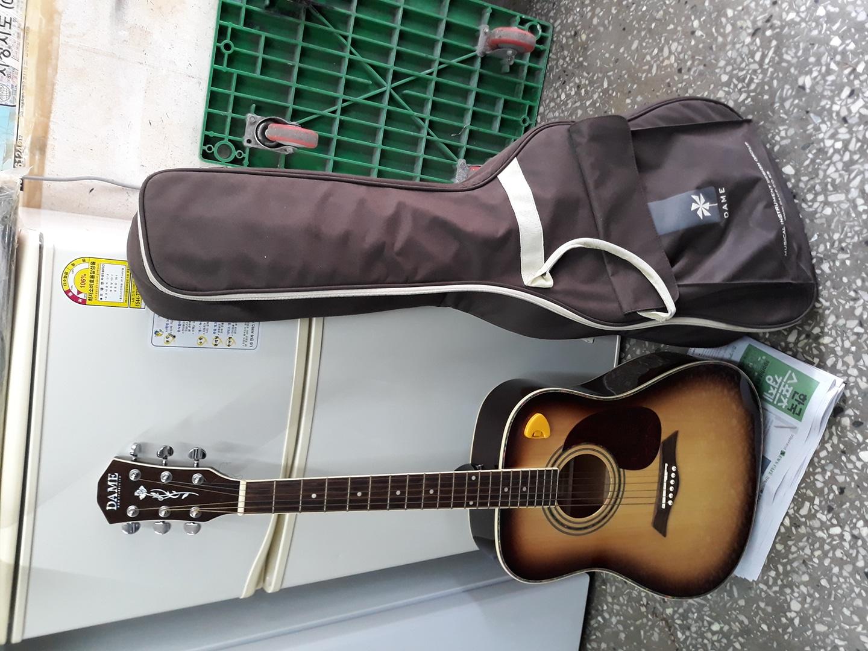 클레식 기타(데임 기타 릴리즈70dbs) 팔아요