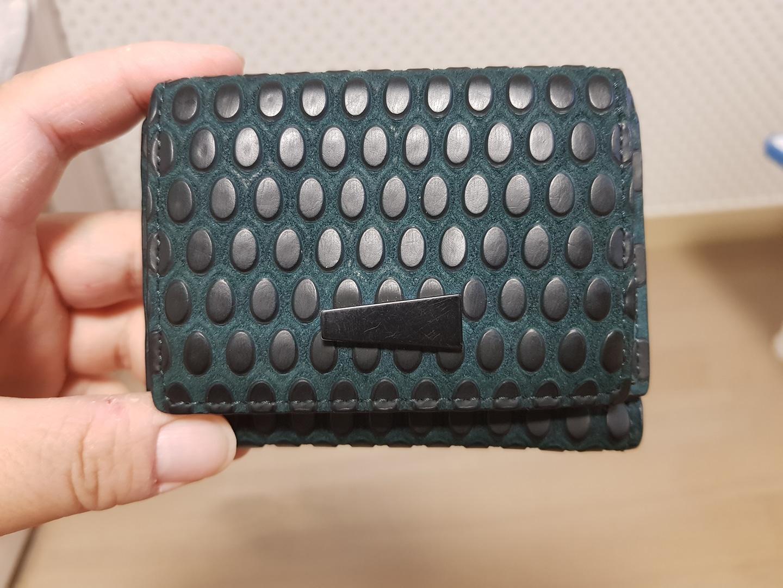 루즈앤라운즈 지갑