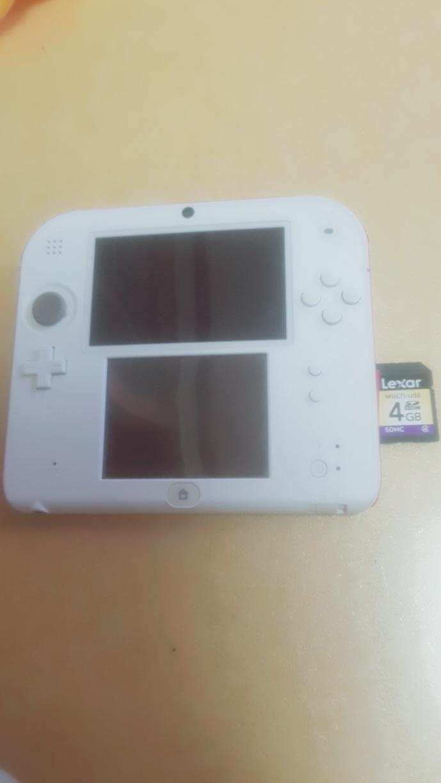 닌텐도 2ds+4G메모리칩 팝니다