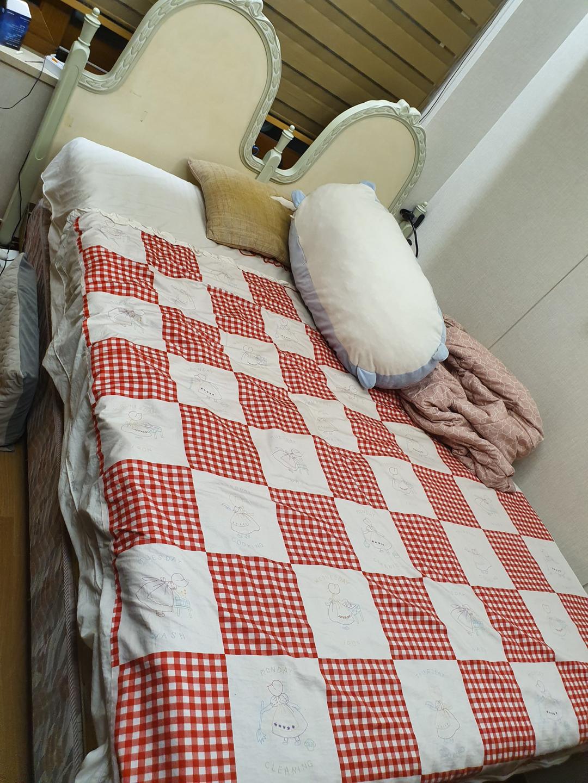 퀸사이즈 침대 (바로크가구)