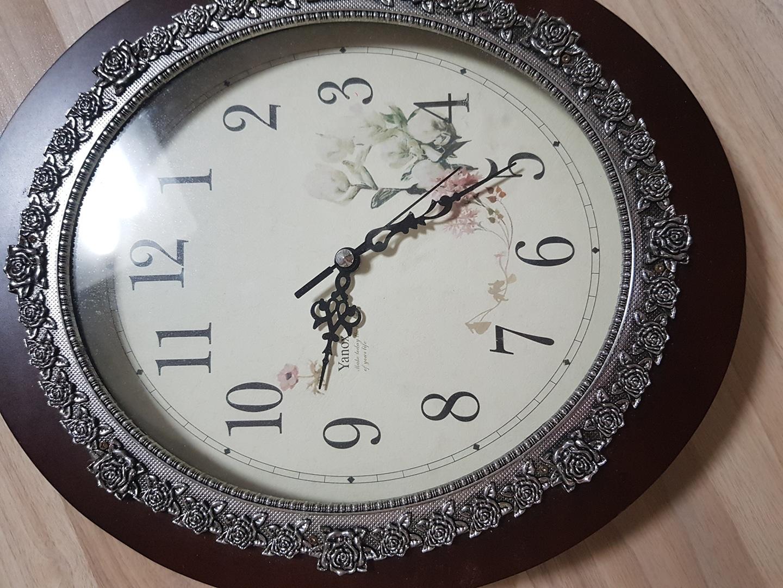 벽걸이 시계
