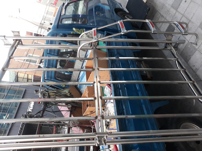 130   210  시이즈  규격 올스탠 자동차 지붕  전용  스탠사다리   스탠물건은  자동차전용 제작용가격따운