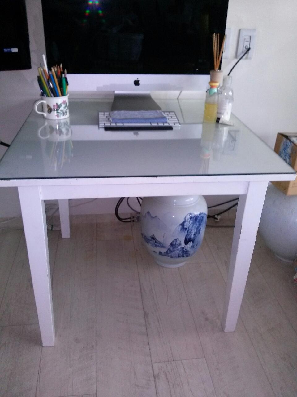 유리포함 테이블.그릇...
