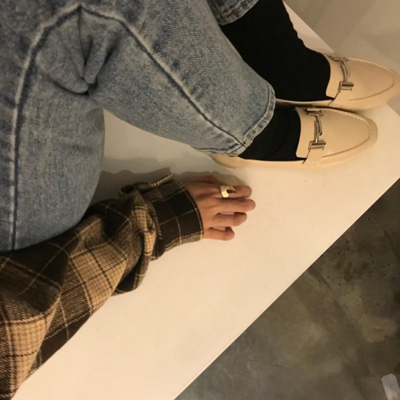 베이지색 로퍼 250 새신발