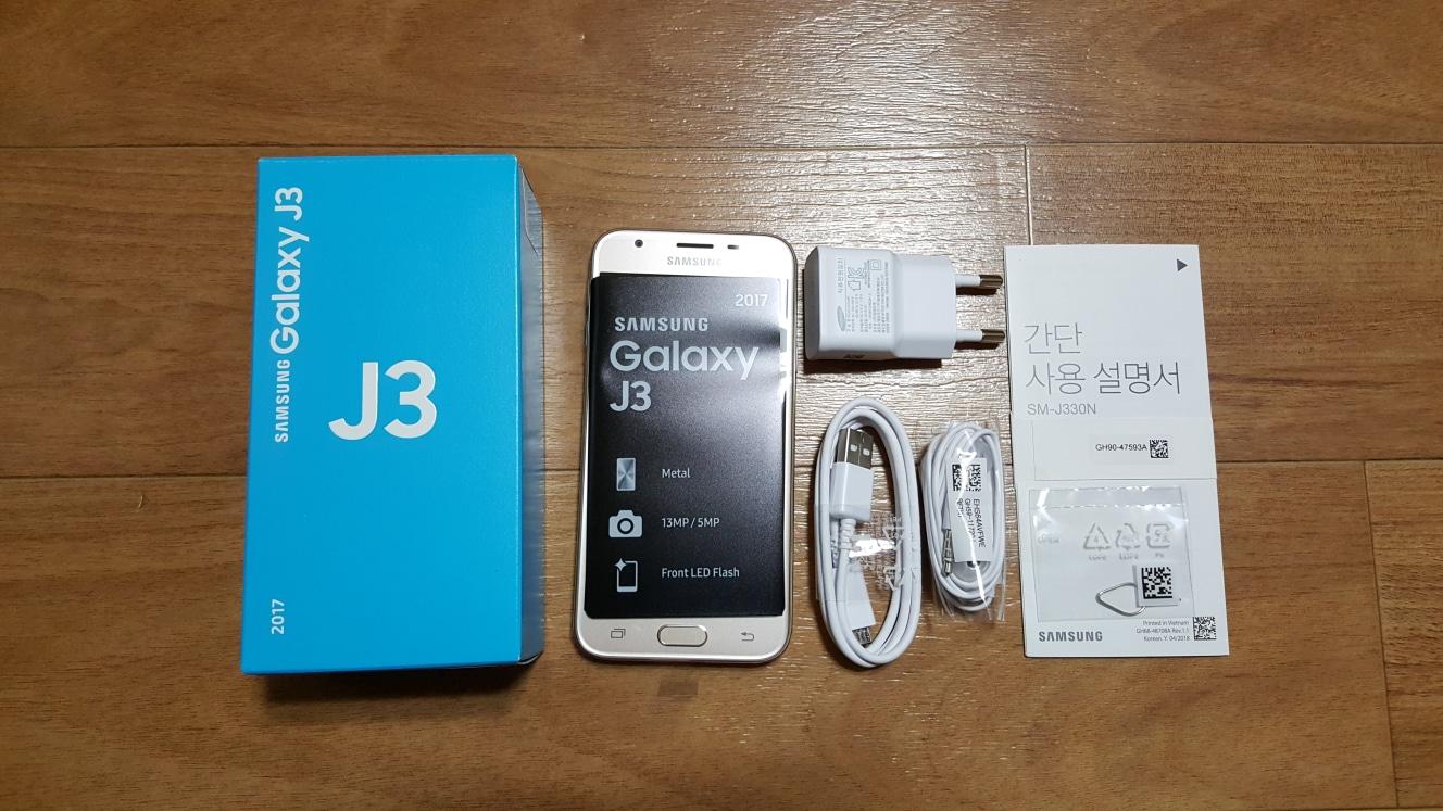 KT용 삼성전자 갤럭시 J3 2017 SM-J330 알뜰폰 효도폰 미사용 선물용 가개통 유심기변 팝니다.