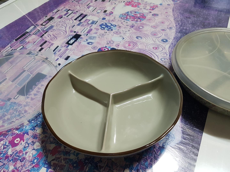 일본 아리따 세칸접시 입니다.  2개