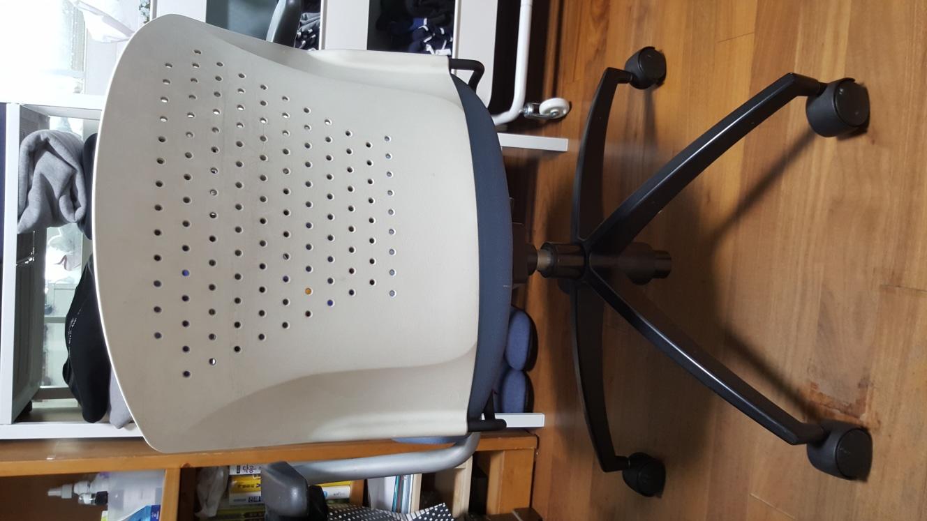 회전식바퀴의자