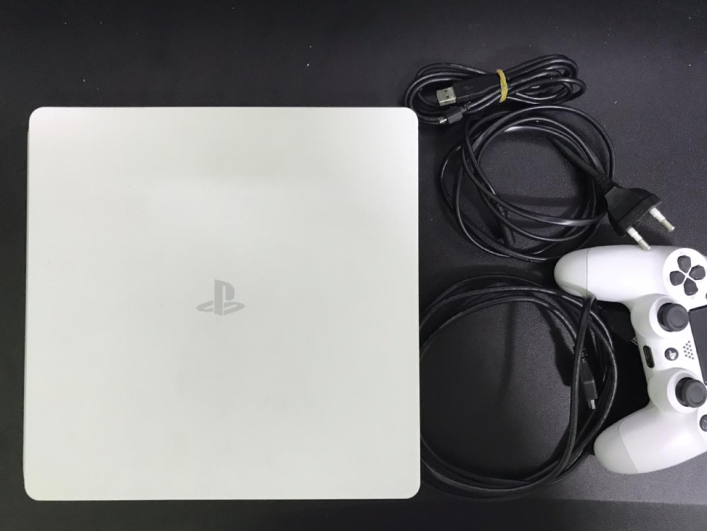 PS4 슬림 500gb 화이트 팝니다