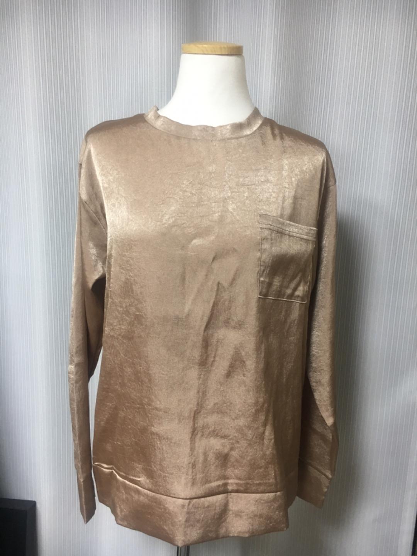 새상품)골드한 베이지컬러 유니크한 티셔츠