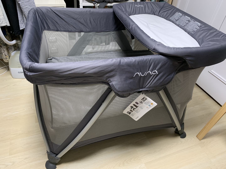 뉴나세나 아기침대(기저귀갈이대+방수커버+모기장+가방 풀세트,세탁완료)