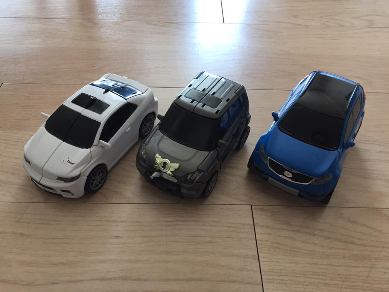 장난감 자동차 변신로봇 및 미니어처 자동차 판매합니다