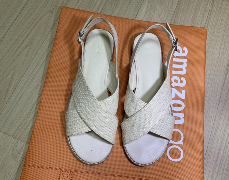 구매한 지 3일 지난 신발 240