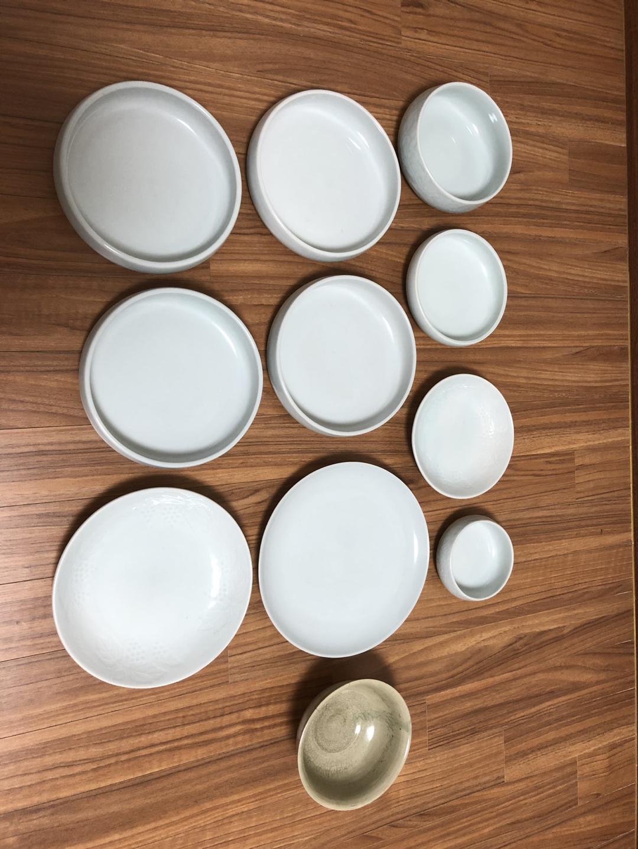 명품 도자기 그릇 10개 세트 + 황토색 도자기 그릇 하나 덤!