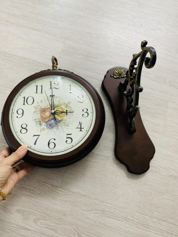 양면 벽걸이 시계