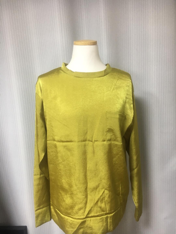 새상품)올리브 컬러 유니크한 셔츠