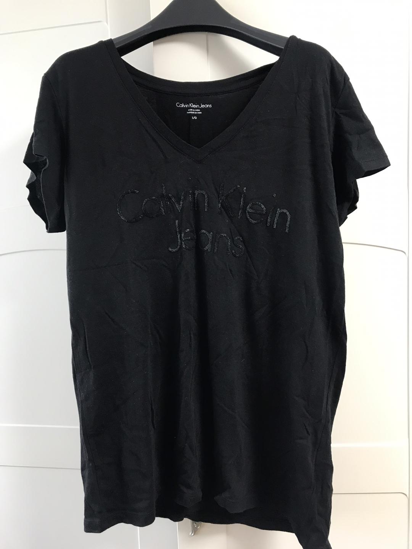 calvinklein 티셔츠 팔아요