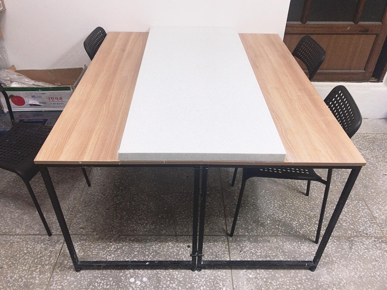 인조대리석 상판, 테이블2개, 의자4개 판매