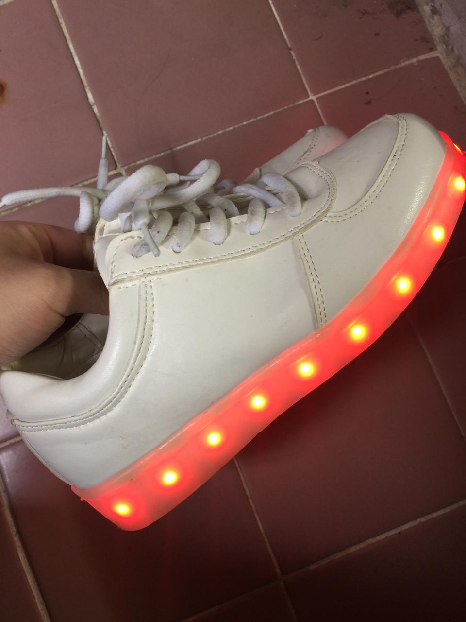 신발230