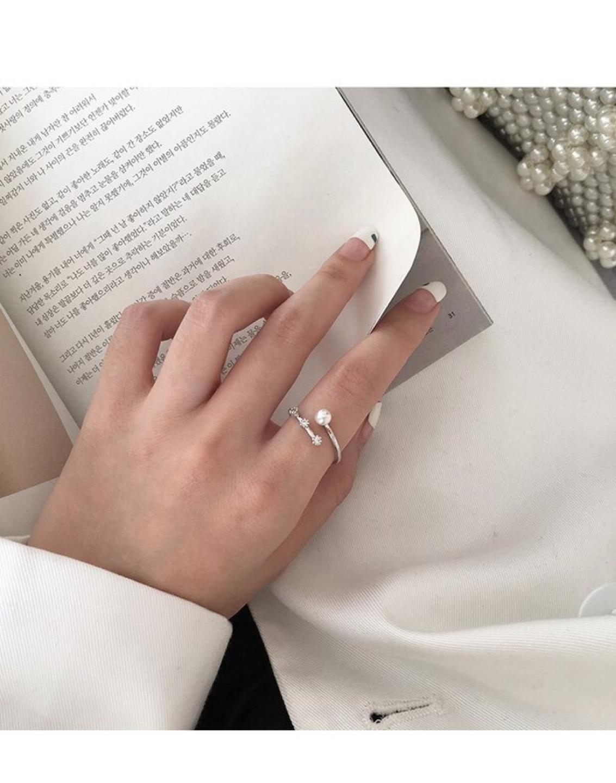 진주 귀걸이와 어울리는 반지 (사이즈 조절 가능)