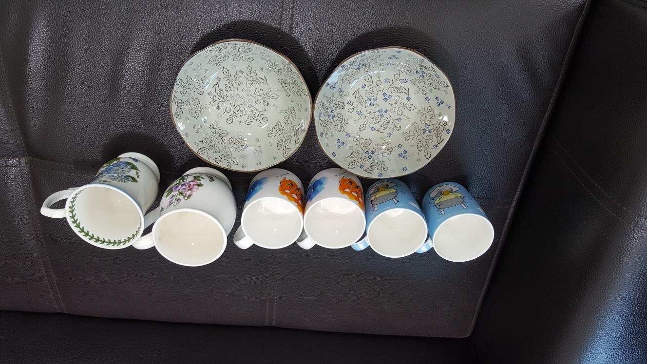 중국산 이쁜머거잔 10개 받침대2개,이쁜 찬그릇2개