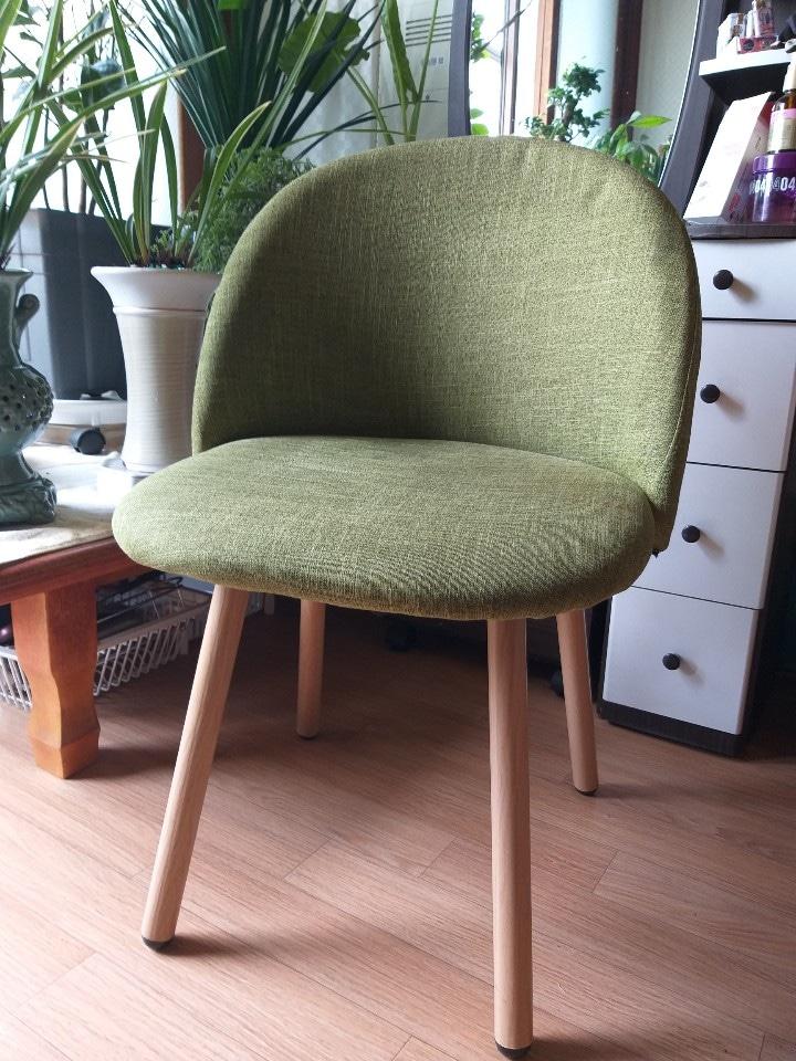 의자2개(큰의자임)