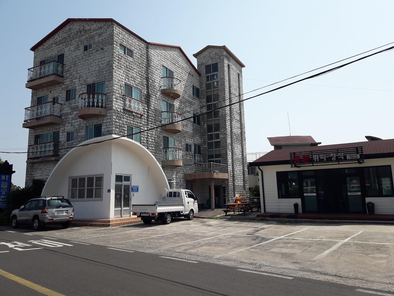 4층 다가구주택 + 20평 식당+ 12대 주차장